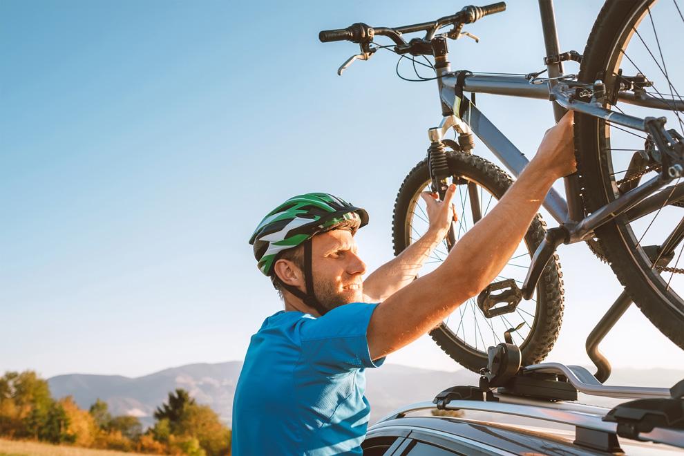 Cycle on top of vehicle